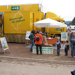 """Regionalbauernverband Starkenburg mit dem Info-Truck """"Grüne Energie Hessen"""" auf dem Beerfelder Pferdemarkt"""