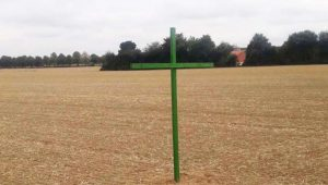 Grüne Kreuze als Protest